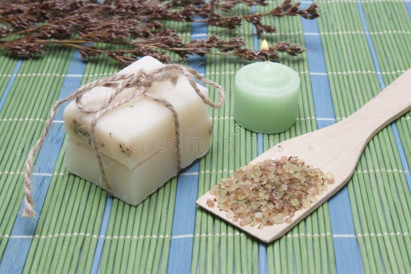 Sapone Handmade con gli ingredienti naturali fotografie stock libere da diritti