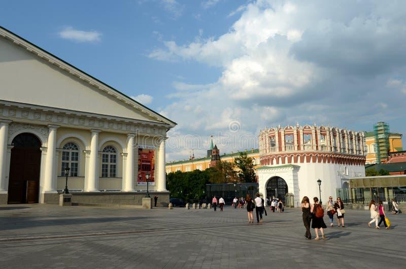 Sapozhkovskaya fyrkant på väggarna av MoskvaKreml arkivbilder