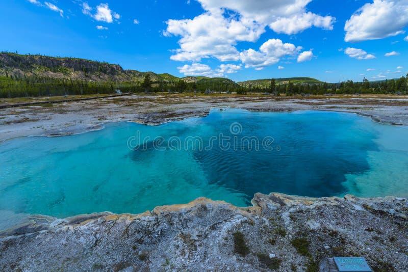 Sapphire Pool Yellowstone lizenzfreie stockfotografie