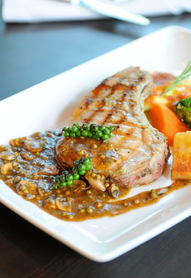 Sappig geroosterd lapje vlees royalty-vrije stock fotografie