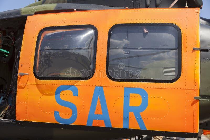 SAR suchen und retten Tür von einem Hubschrauber der deutschen Armee lizenzfreie stockbilder