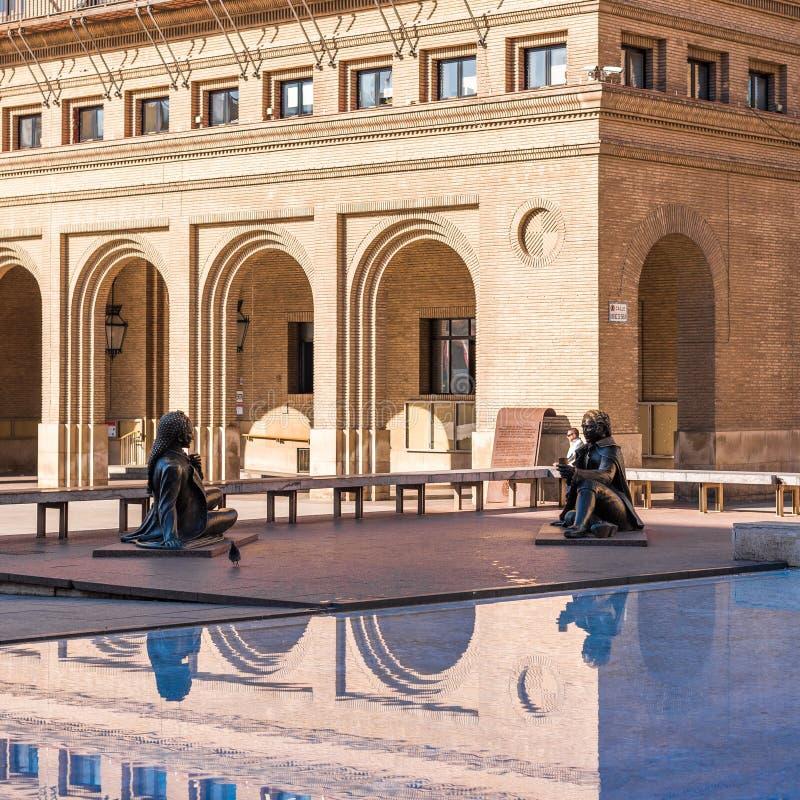 SARAGOSSA HISZPANIA, WRZESIEŃ, - 27, 2017: Statua sławny hiszpański malarz Francisco De Goya w Pilar kwadracie Kopiuje przestrzeń fotografia stock