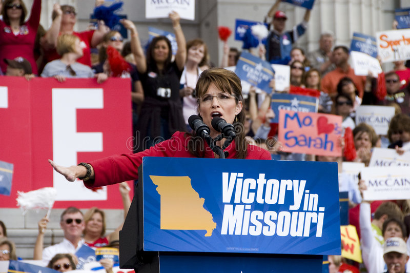 Sarah Palin Arrives. Crowds gather to hear Sarah Palin speak in Jefferson City, MO stock images