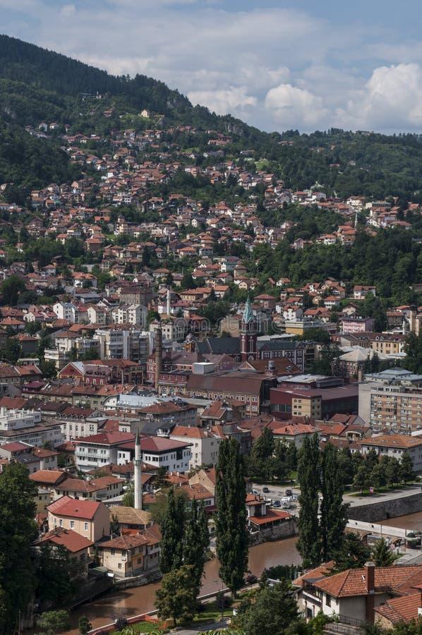 Sarajevo, Bo?nia i Herzegovina, widok z lotu ptaka, krajobraz, linia horyzontu, pejza? miejski, panoramiczny, punkt widzenia, Din zdjęcie stock