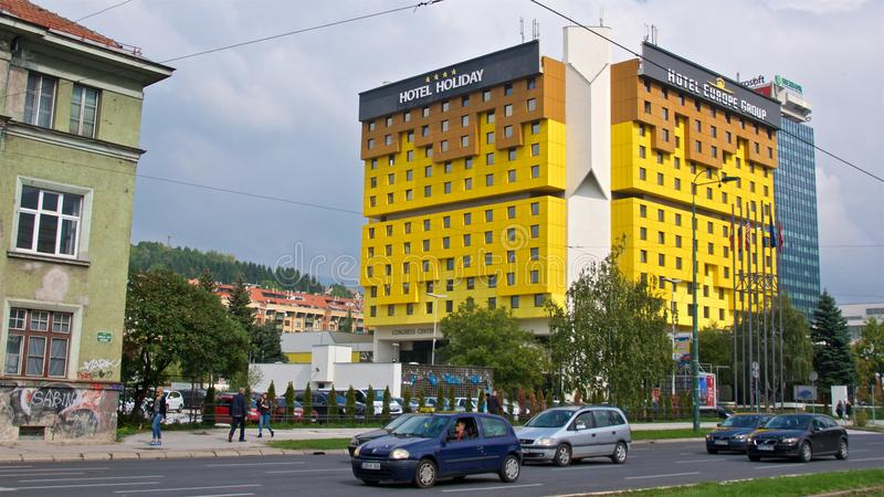 Sarajevo, Bosnia y Herzegovina - octubre de 2017: Holiday Inn icónico que es testigo a los eventos tumultuosos que han revelado a fotos de archivo