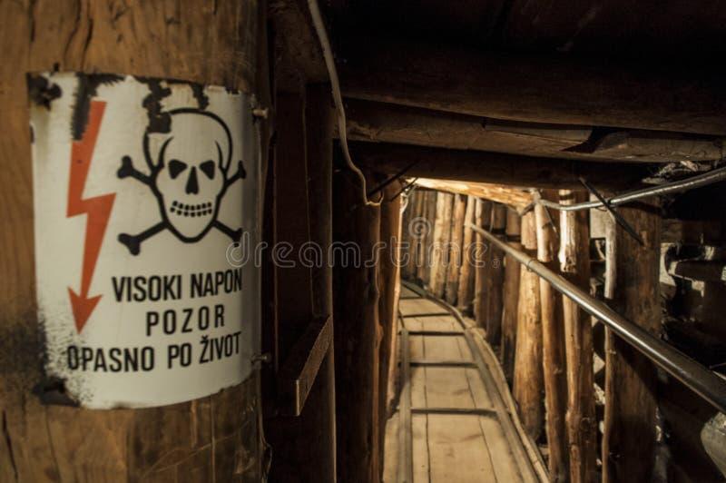 Sarajevo, túnel, museo del túnel de Sarajevo, familia de Kolar, guerra bosnio, subterráneo, el cerco de Sarajevo, carril imagen de archivo