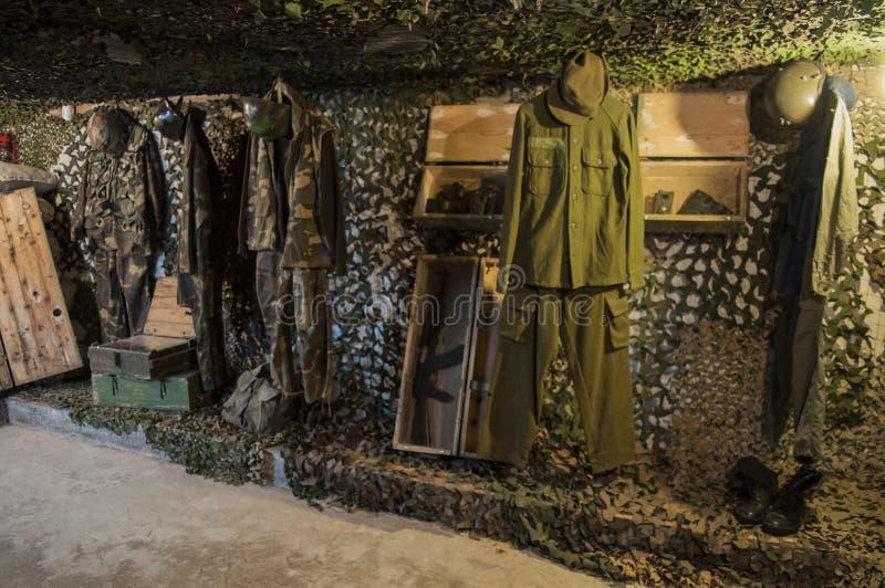 Sarajevo, túnel, museo del túnel de Sarajevo, militar, guerra bosnio, subterráneo, el cerco de Sarajevo, equipo, camuflaje imagen de archivo
