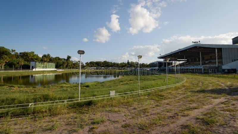 Sarasota Kennel Club Greyhound Track imagens de stock