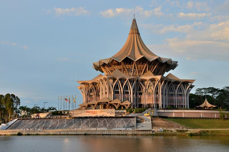 Sarawak stanu prawodawczy parlamentarny zgromadzenie buduje Kuching Malezja obraz royalty free