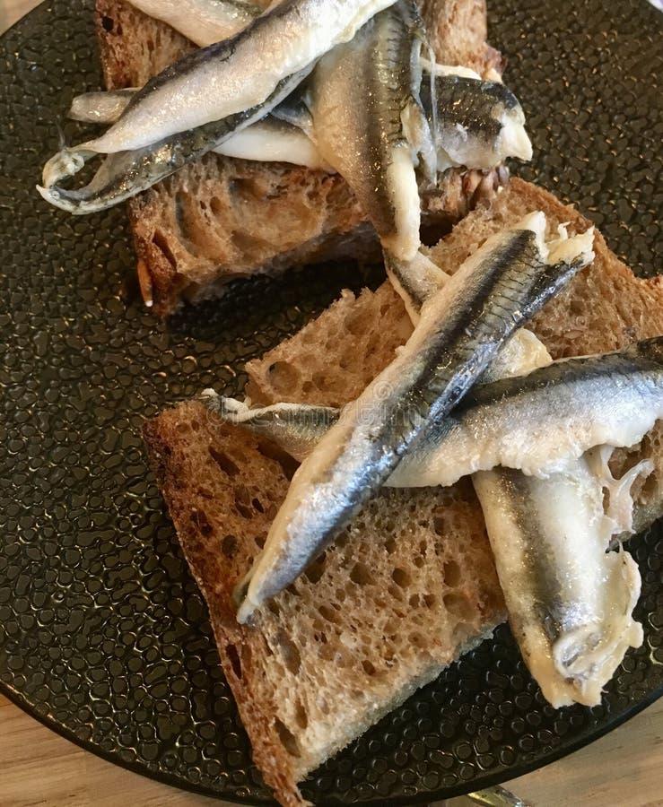 Sardines sur Rye photos stock