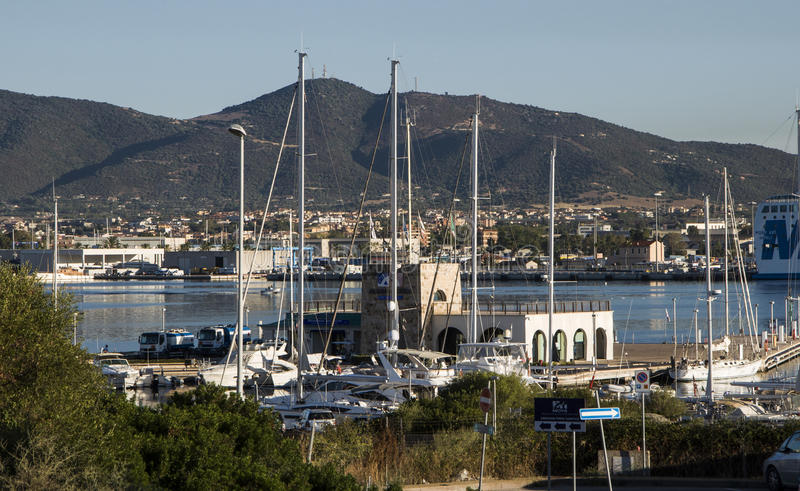 Sardinia marina di olbia hamn royaltyfria foton