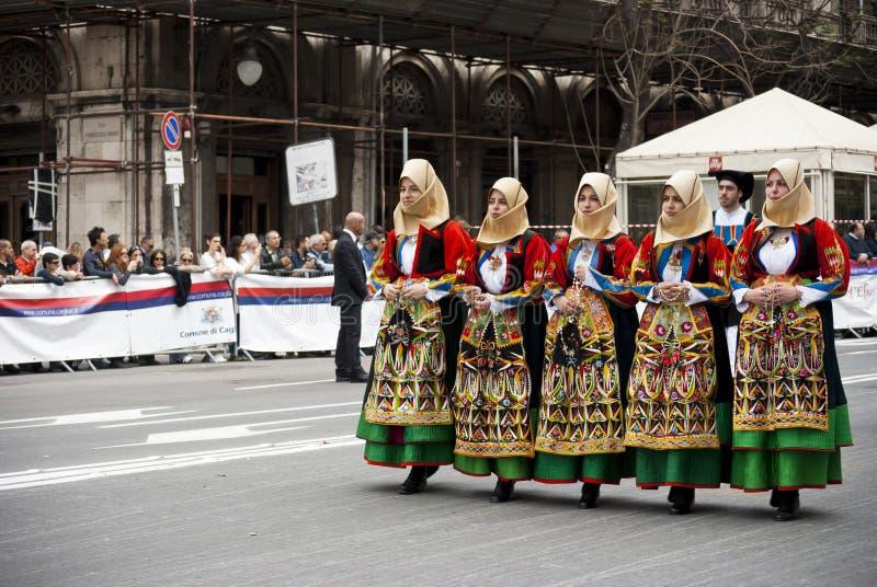 Sardinia traditioner. Festivalen av S.Efisio arkivfoto