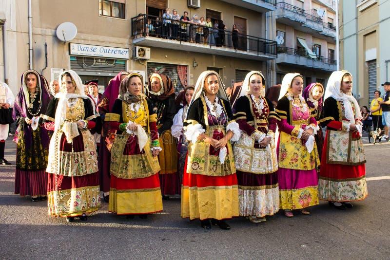 Sardinian традиционные костюмы стоковое фото