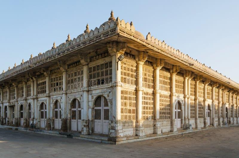Sarkhej Roza moské i Ahmedabad, Gujarat arkivfoto