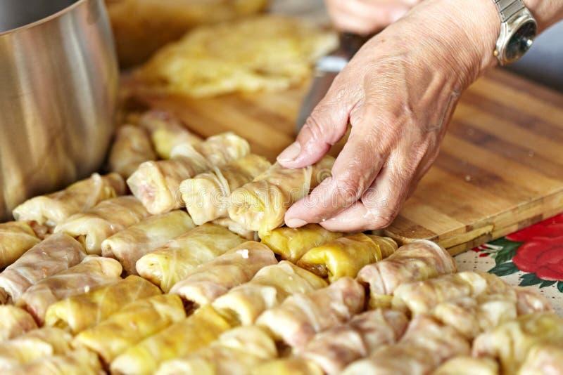 Sarmale, um prato tradicional romeno imagem de stock royalty free