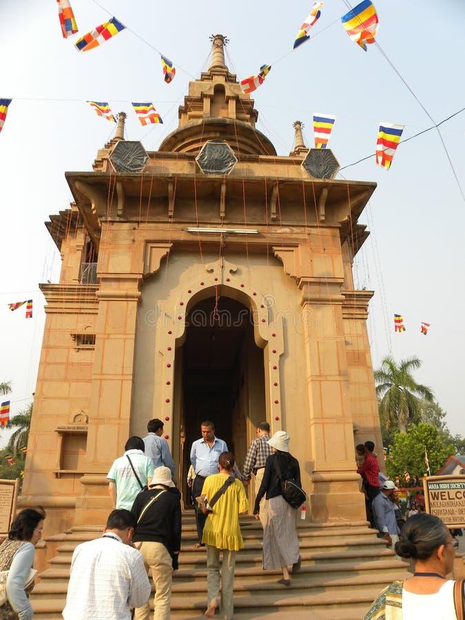 Sarnath, Ουτάρ Πραντές, Ινδία - 1 Νοεμβρίου 2009 βουδιστικός ναός Mulagandhakuti Vihara στοκ εικόνα