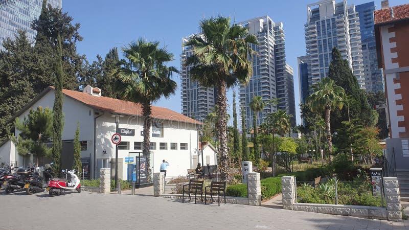 Sarona neibourhood i mitten stads- Tel Aviv Israel arkivfoto