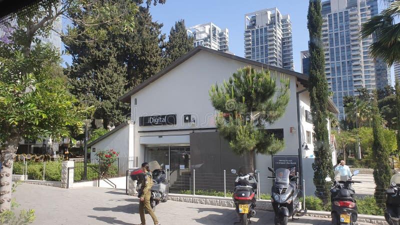 Sarona neibourhood i mitten stads- Tel Aviv Israel royaltyfria foton