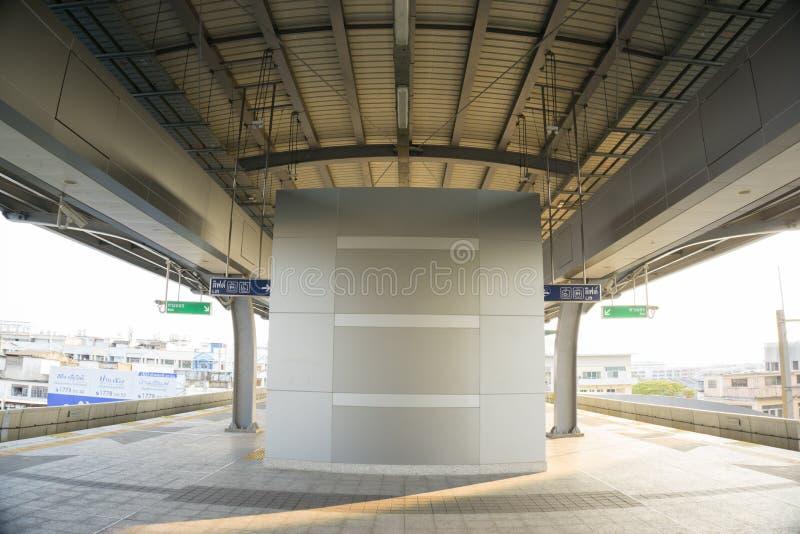 Sarong ist die lastest BTS-skytrain Station im Einsatz für Leute, die in Samutprakarn wohnen lizenzfreies stockfoto