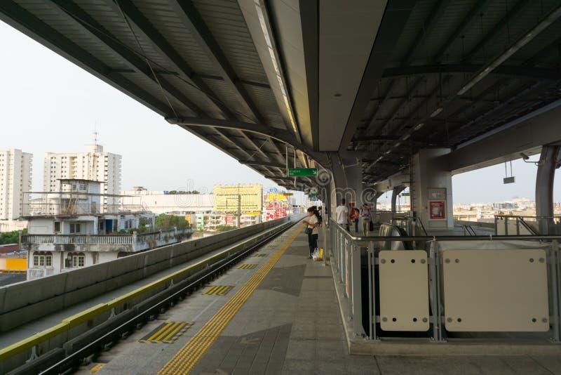 Sarong ist die lastest BTS-skytrain Station im Einsatz für Leute, die in Samutprakarn wohnen stockfotos