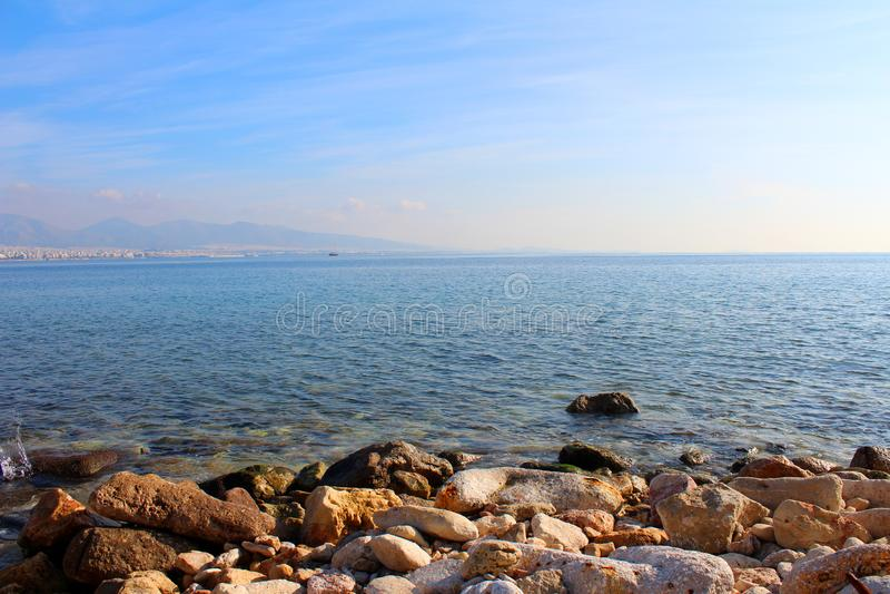 Saronic golfsikt i Piraeus, Grekland royaltyfria bilder