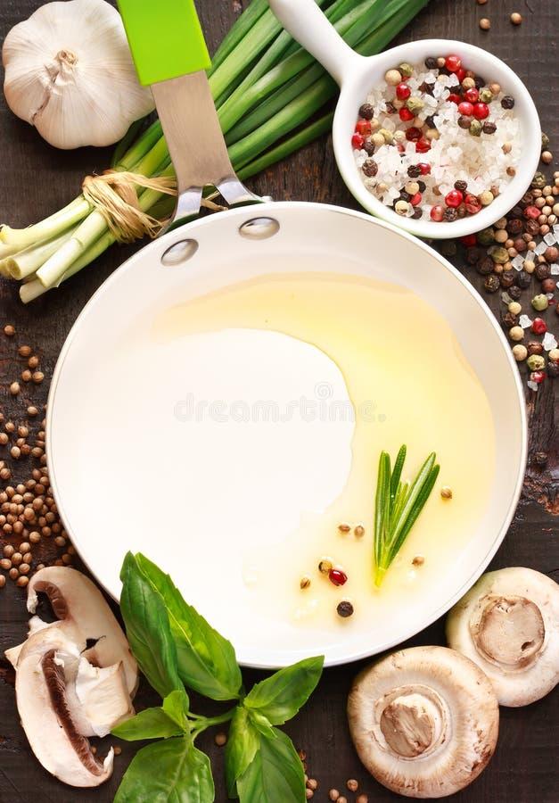 Ingredientes del cacerola y alimentarios. foto de archivo
