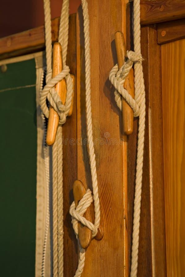 Sartiame della vela e particolari marittimi immagine stock libera da diritti