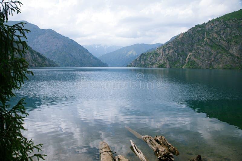 Sary Chelek jezioro, Jalal Abad region, Kirgistan, Środkowy Azja zdjęcie royalty free