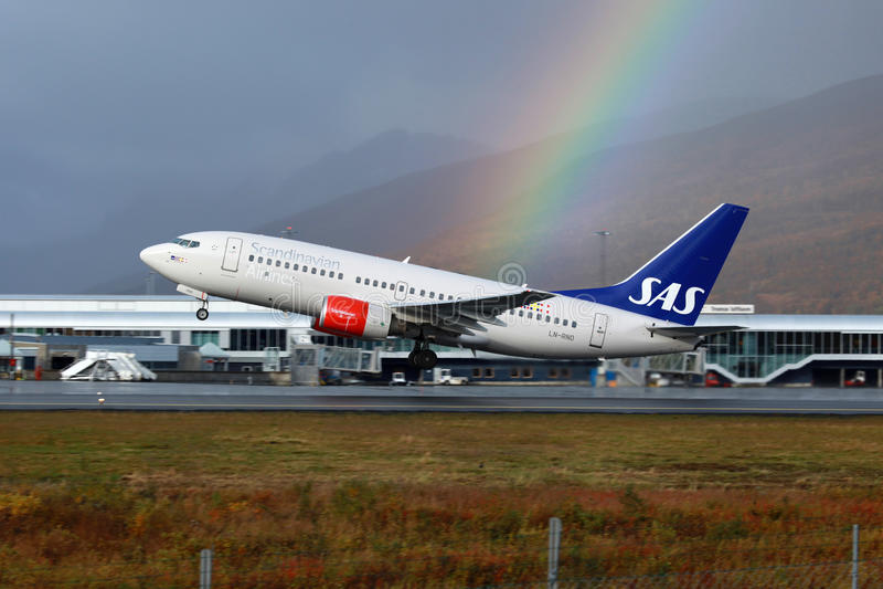 SAS skandinaviska flygbolag Boeing 737-700 royaltyfria bilder