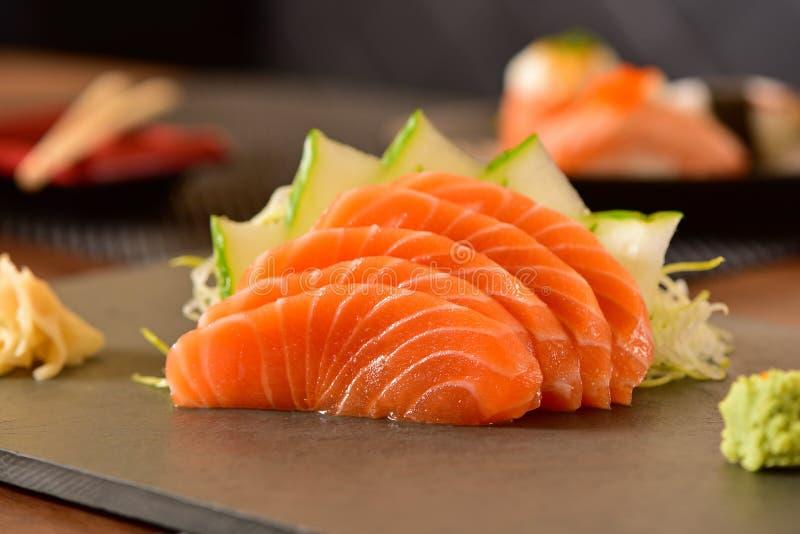 Sashimi σολομών φέτες στοκ εικόνες με δικαίωμα ελεύθερης χρήσης