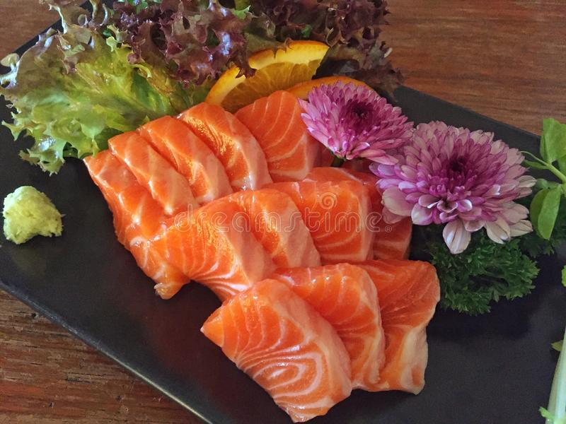 Sashimi σολομών, ιαπωνικά τρόφιμα στοκ εικόνες