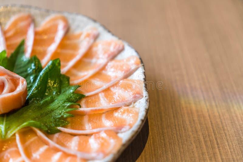 Sashimi di color salmone affettato immagine stock libera da diritti