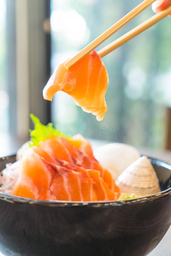 Sashimi di color salmone fresco fotografia stock