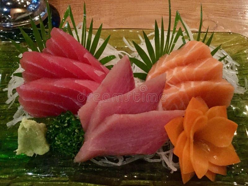 Sashimi mit Daikon und lizenzfreies stockbild