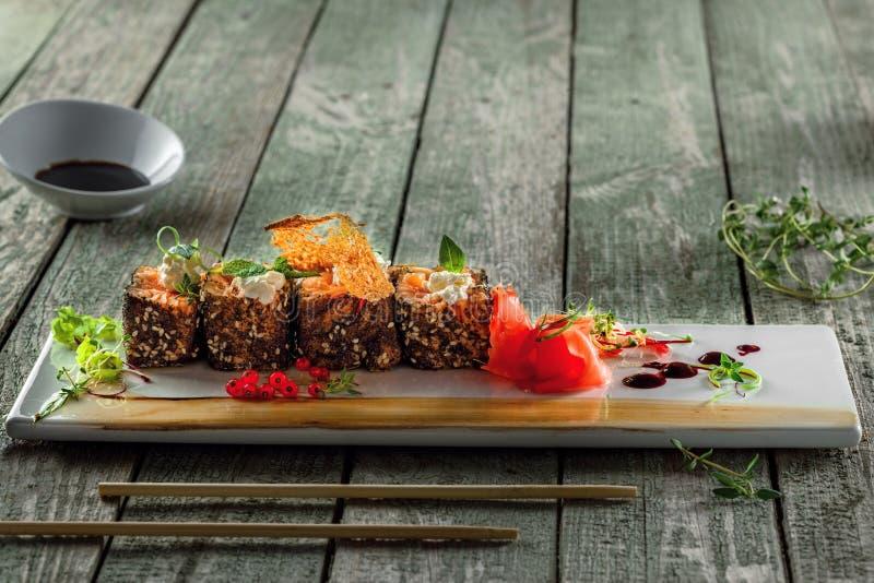 Sashimi som göras av laxfisk fotografering för bildbyråer