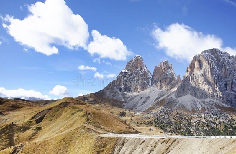 Sassolungo Langkofel grupa Włoskie dolomit góry Widok od Sella przepustki zdjęcie stock