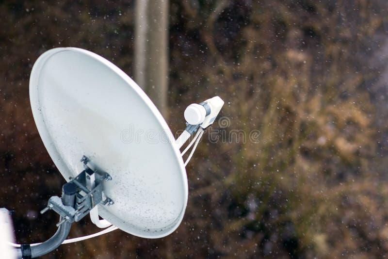 Satelita dołącza ściana dom zdjęcie royalty free