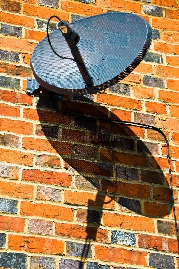 Satelliet Schotel en Schaduw stock afbeeldingen