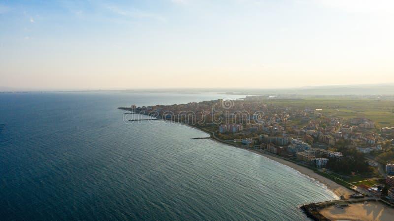 Satellietbeeld aan het stadsstrand Nessebar, Bulgarije stock fotografie