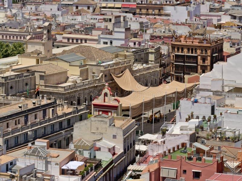 Satellietbeeld op Sevilla van de binnenstad, met het stadhuis en de omgeving stock afbeelding