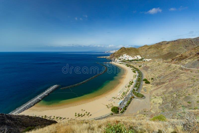 Satellietbeeld op Teresitas-strand dichtbij Santa Cruz de Tenerife Canarische Eilanden, Spanje stock fotografie