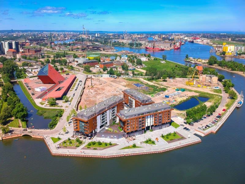 Satellietbeeld van de oude stad van Gdansk in de zomerlandschap, Polen royalty-vrije stock foto