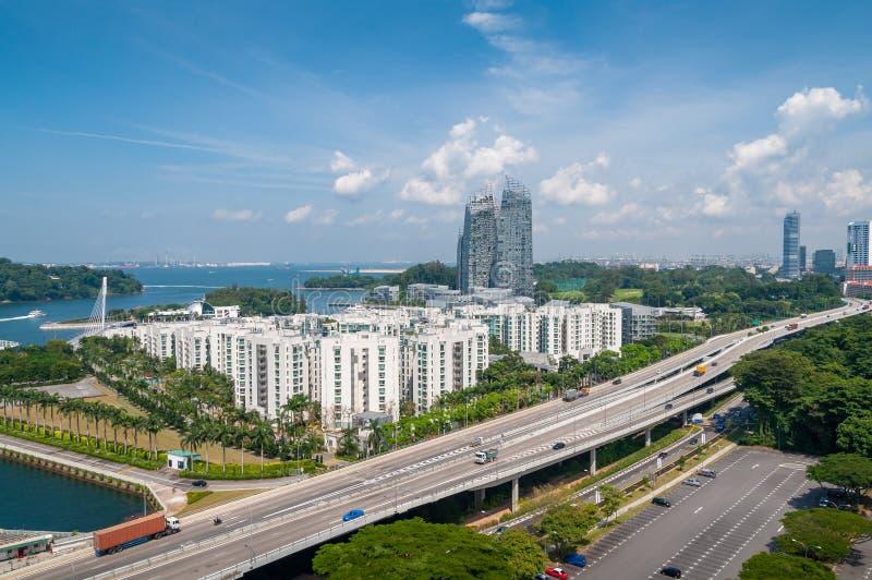 Satellietbeeld van de stad van Singapore met multi-layer wegen en wegen stock afbeelding