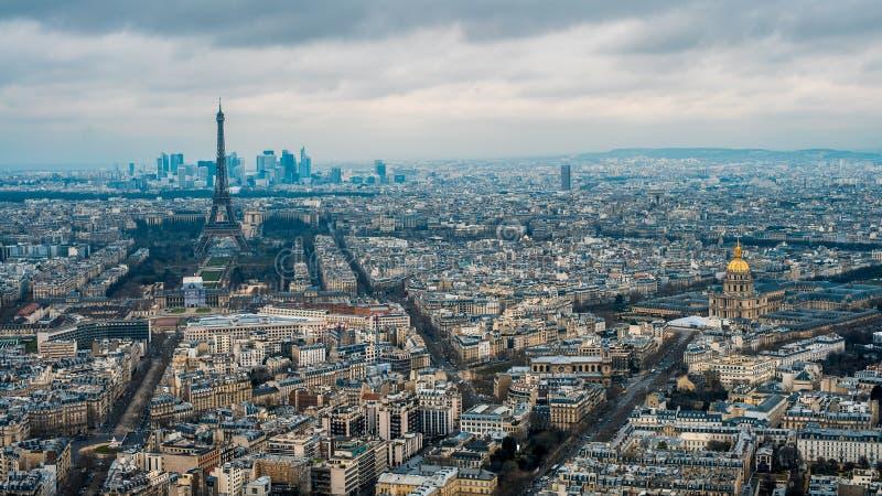 Satellietbeeld van de Toren van Eiffel en de Stad van Parijs Opgeheven Weergeven van Cityscape stock afbeeldingen