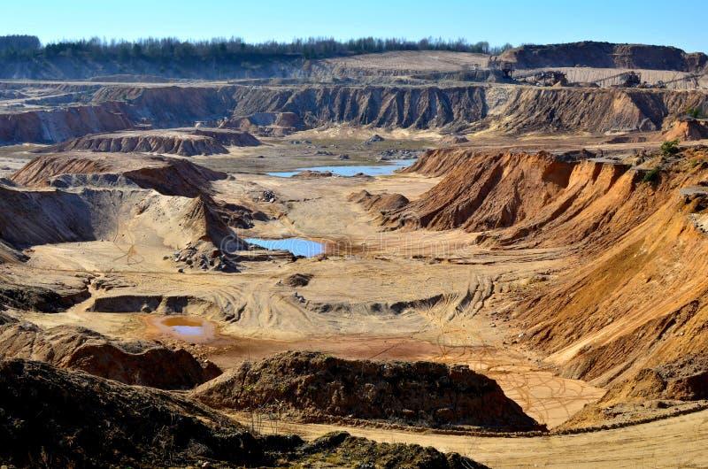 Satellietbeeld van een kuil van het mijnbouwzand stock fotografie