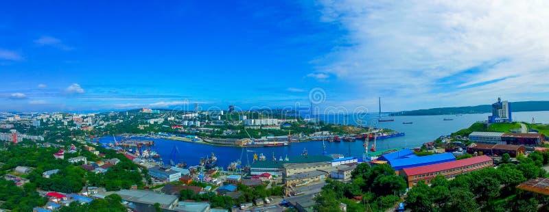 Satellietbeeld van het panorama in Diomid-Baai Vladivostok, Primorsky Krai royalty-vrije stock fotografie