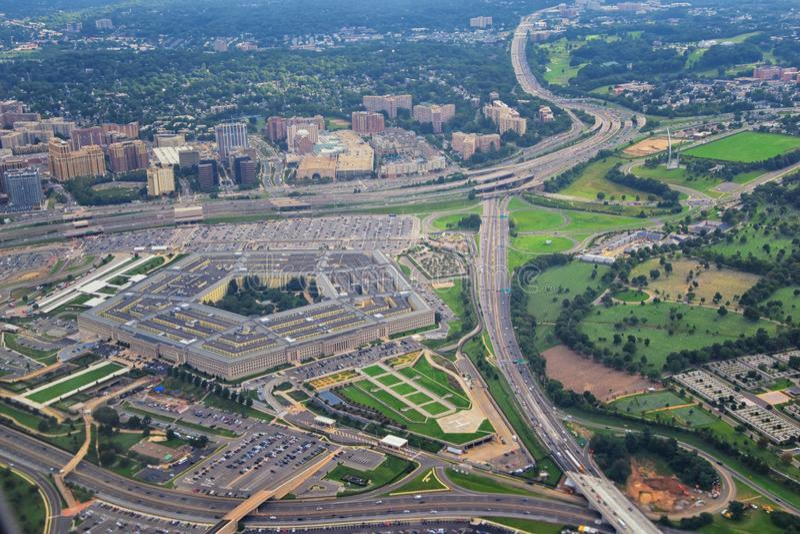 Satellietbeeld van het Pentagoon van Verenigde Staten, het Ministerie van Defensiehoofdkwartier in Arlington, Virginia, dichtbij  royalty-vrije stock fotografie