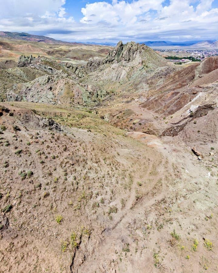 Satellietbeeld van het plateau rond Onderstel Ararat, bergen en adembenemende landschappen Weidende Koeien Oostelijk Turkije royalty-vrije stock foto's