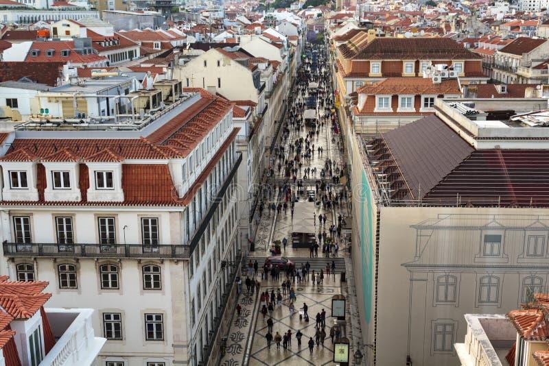 Satellietbeeld van het winkelen straat in het hoogtepunt van Lissabon van toeristen stock foto