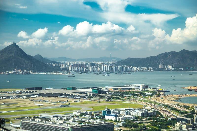Satellietbeeld van internationale luchthaven met vliegtuigparkeren in Hong Kong, China royalty-vrije stock foto's